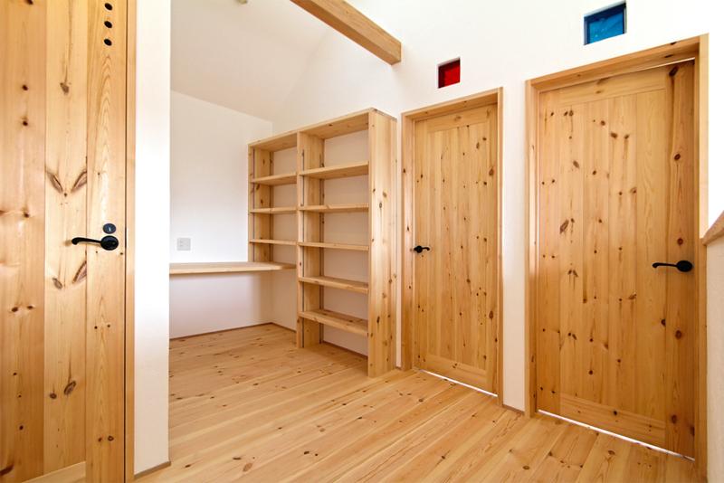 室内建具:無垢材オリジナル建具